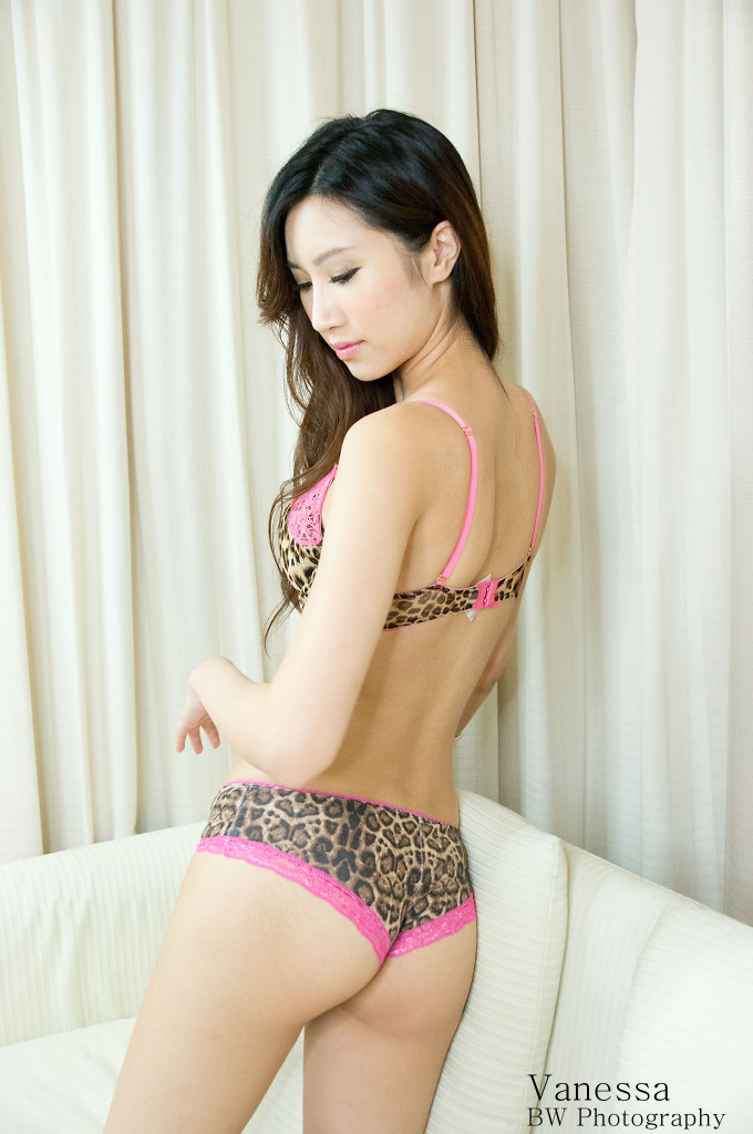 http://temp2.fotop.net/albums3/bw2046/Vanessa20111015c/BW_VanessaWong_20111015_305.jpg